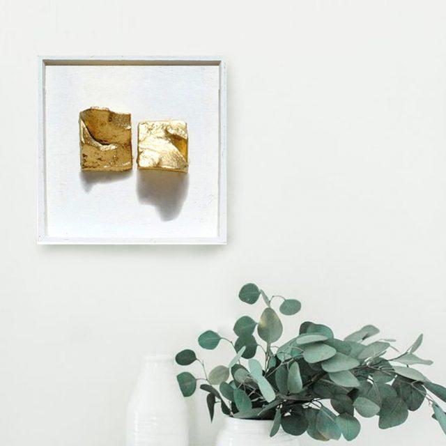 תכשיט קיר זהב 2